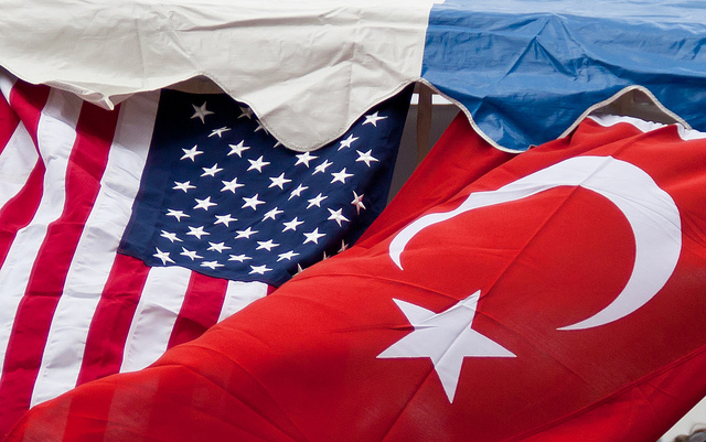 Эрдоган иТрамп провели беседу обАфрине ипоставках оружия YPG
