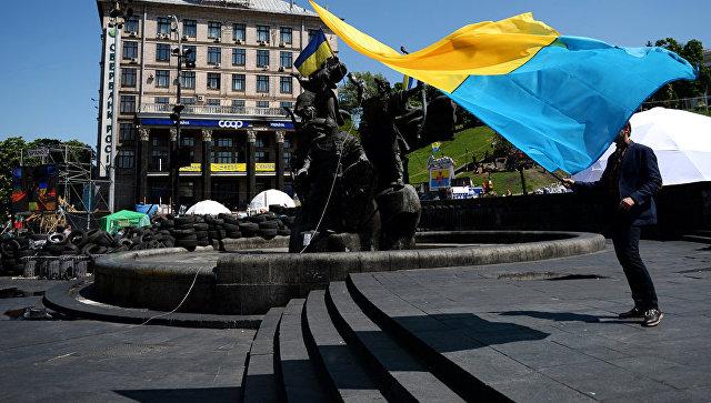 Порошенко вкоторый раз пообещал поднять украинский флаг над Донецком