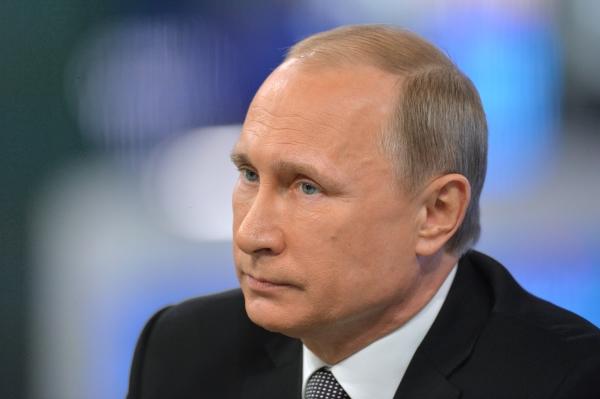Путин проинформировал  Силуанову, ского ему нужно  брать пример
