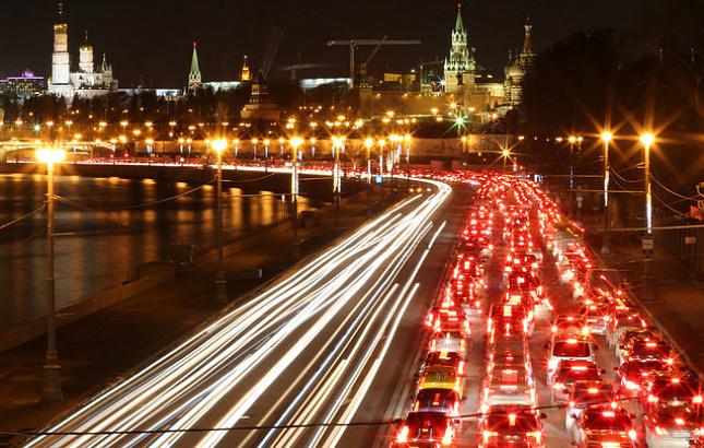 Пробки на дорогах Москвы оцениваются в пять баллов