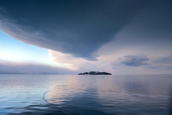 Власти Бурятии планируют ввести сбор снеорганизованных туристов наБайкале