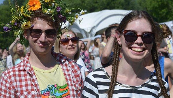 Неменее 80% граждан России чувствуют себя счастливыми