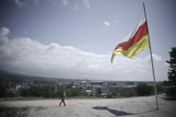 Южная Осетия осталась без электричества из-за сильного ветра вСеверной Осетии