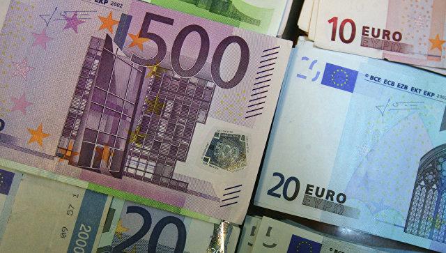 Биржевой курс доллара подпрыгнул выше 59 руб., евро