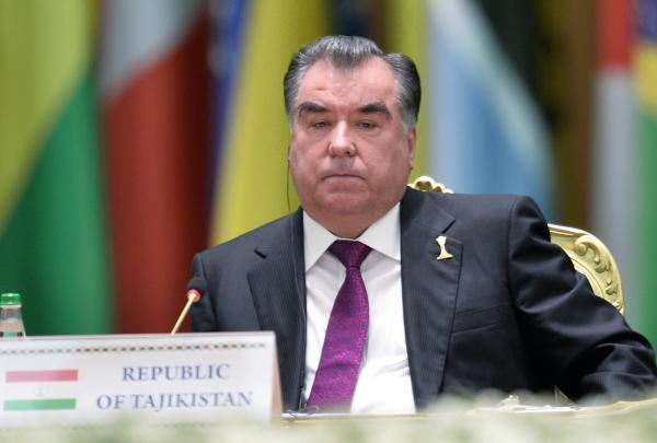 Таджики перещеголяли всех в желании угодить своему президенту Эксперт