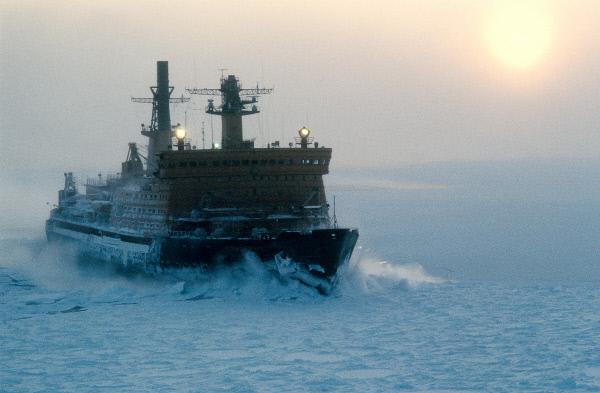 Путин принял участие вцеремонии имянаречения танкера «Кристоф деМаржери»