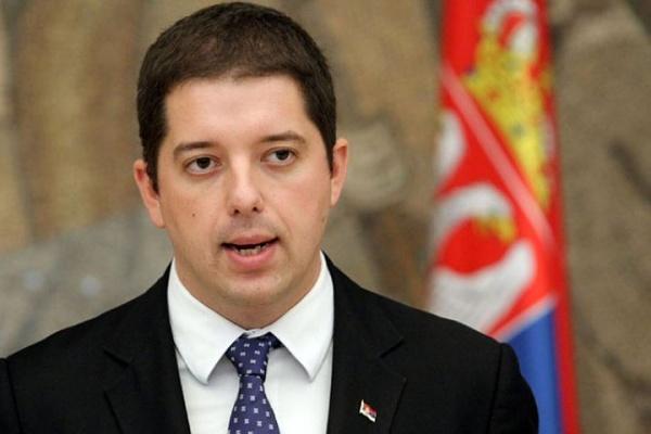 Сербского министра поделам автономного края задержала милиция Косово