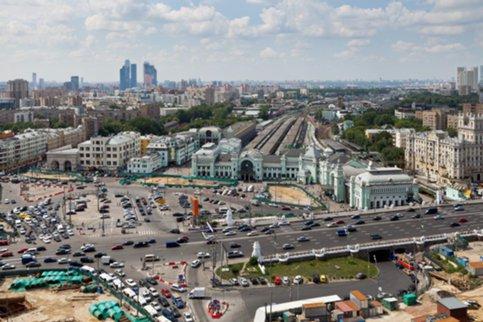 Монумент Максиму Горькому возвратят кБелорусскому вокзалу в2015 году