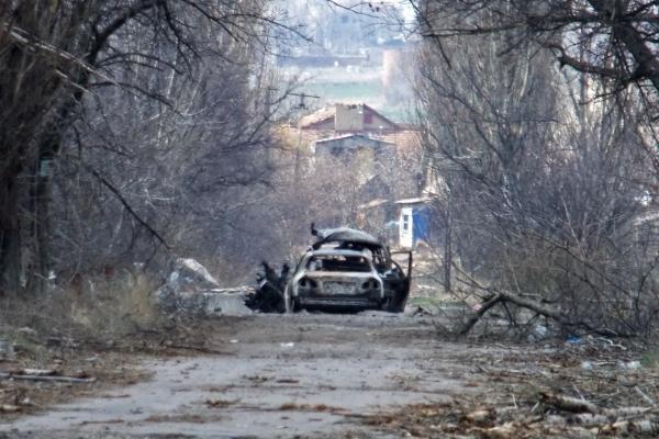 Большие колонны техники ВСУ движутся всторону Крыма иДонбасса