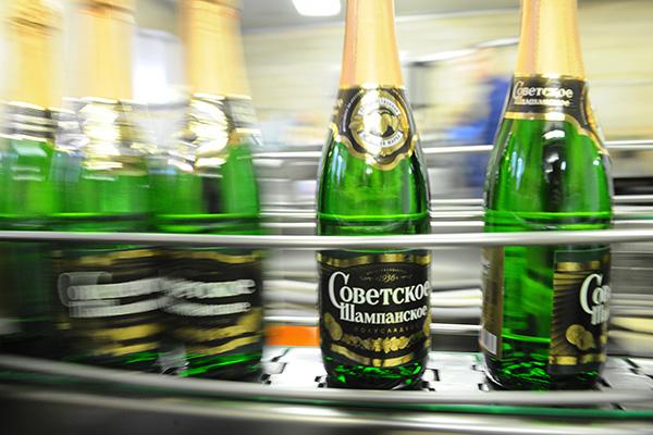 Производители шампанского решили не запугивать граждан России ростом цен