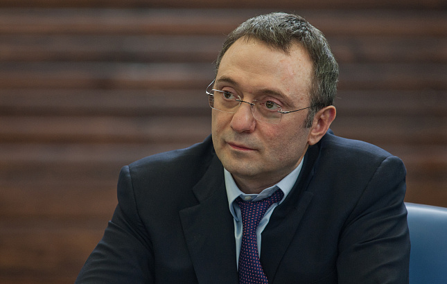Керимова обвинили в завозе воФранцию чемодана смиллионами евро