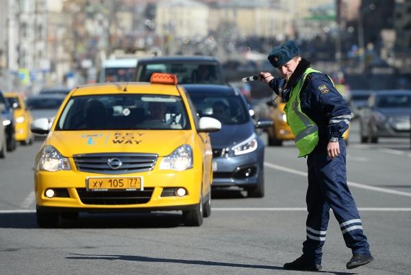 Ремонт дорог в областях нужно делать скорее - Путин