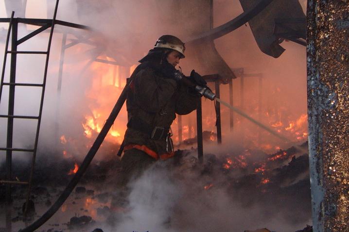 ВСтаврополе четверо сгорели врезультате сильного возгорания в личном доме